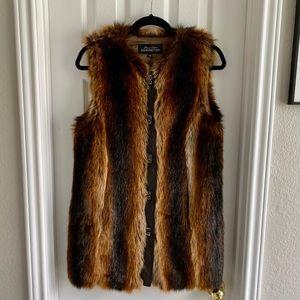 Fabulous Furs Faux Fox Vest - size S